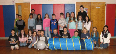 Cottage Lane Elementary Students and Teachers with Argonautica Drifter Buoy 'Excalibur'